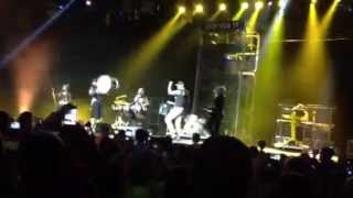 Tobymac singing w/Myshel in Memphis winter Jam 2013
