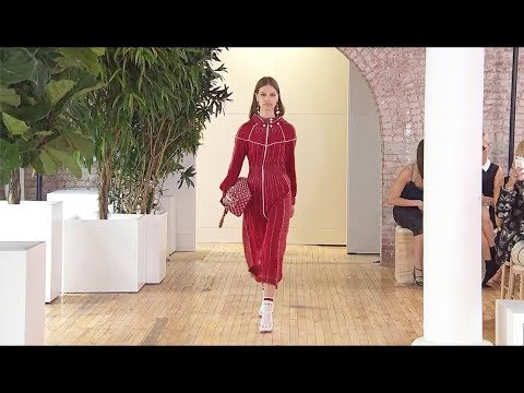 Valentino | Resort 2018 Full Fashion Show | Exclusive