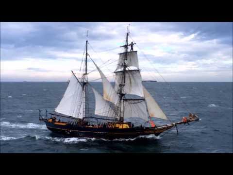 Engineless sail cargo ship Tres Hombres 2015 - 2016