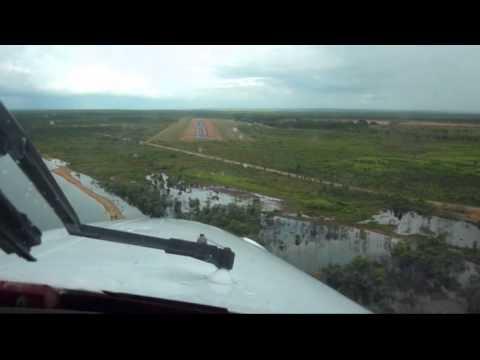 YBWP Weipa QLD (Australia) - Visual Approach and Landing RWY 13 - Cheyenne  II Turboprop PA31T