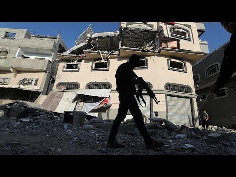 مليون إسرائيلي في الملاجئ بعد إطلاق 50 صاروخا فلسطينيا ردا على اغتيال قيادي في الجهاد الإسلامي…  - نشر قبل 16 دقيقة