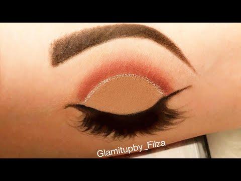 Eye makeup on hand!!