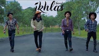 Gambar cover Ikhlas - Bonekamu (Official Lyric Video)