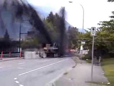 Oil Pipeline Rupture In Burnaby Bc Youtube