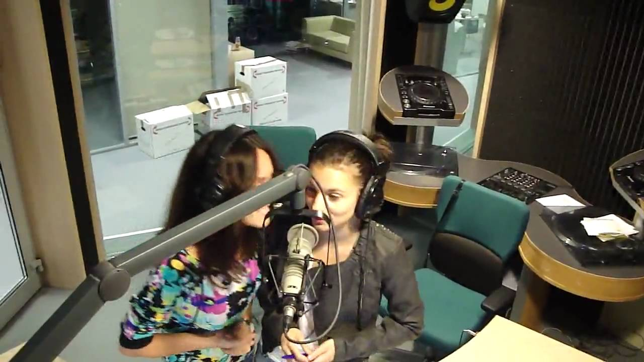 ad1b66357b6d ANA MOGA & DANA NICULA @ ONE FM STUDIO - VIDEO - Stiri - OneFM - Dance  Station
