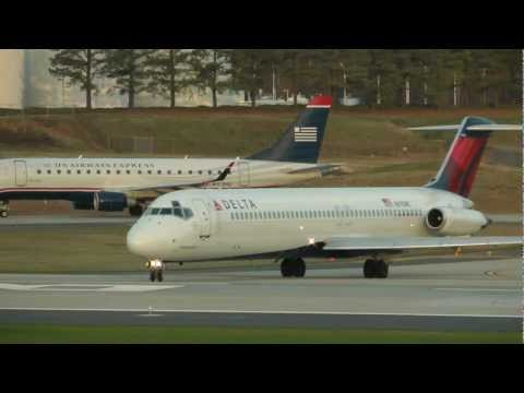 Delta Air Lines McDonnell Douglas DC 9 51 N670MC Taking off from Charlotte Douglas Intl