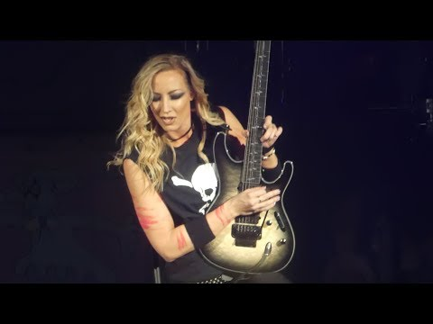 Nita Strauss Guitar Solo & Poison Alice Cooper@Kir Center WilkesBarre, PA 31018