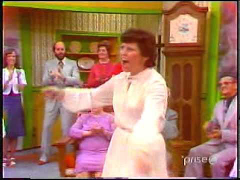 Soirée Canadienne - Madame Brisson chante l'Auberge de l'écu