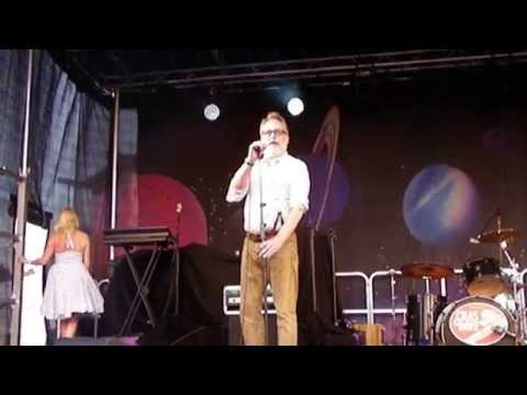 A drunk Vic Reeves and Chas & Dave Dreamland Margate