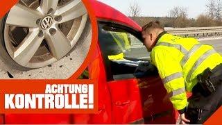 Gefährliche Reifenpanne auf der Autobahn! Polizei muss helfen! | Achtung Kontrolle | kabel eins
