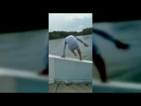Парень спрыгнул в реку в Усть-Каменогорске