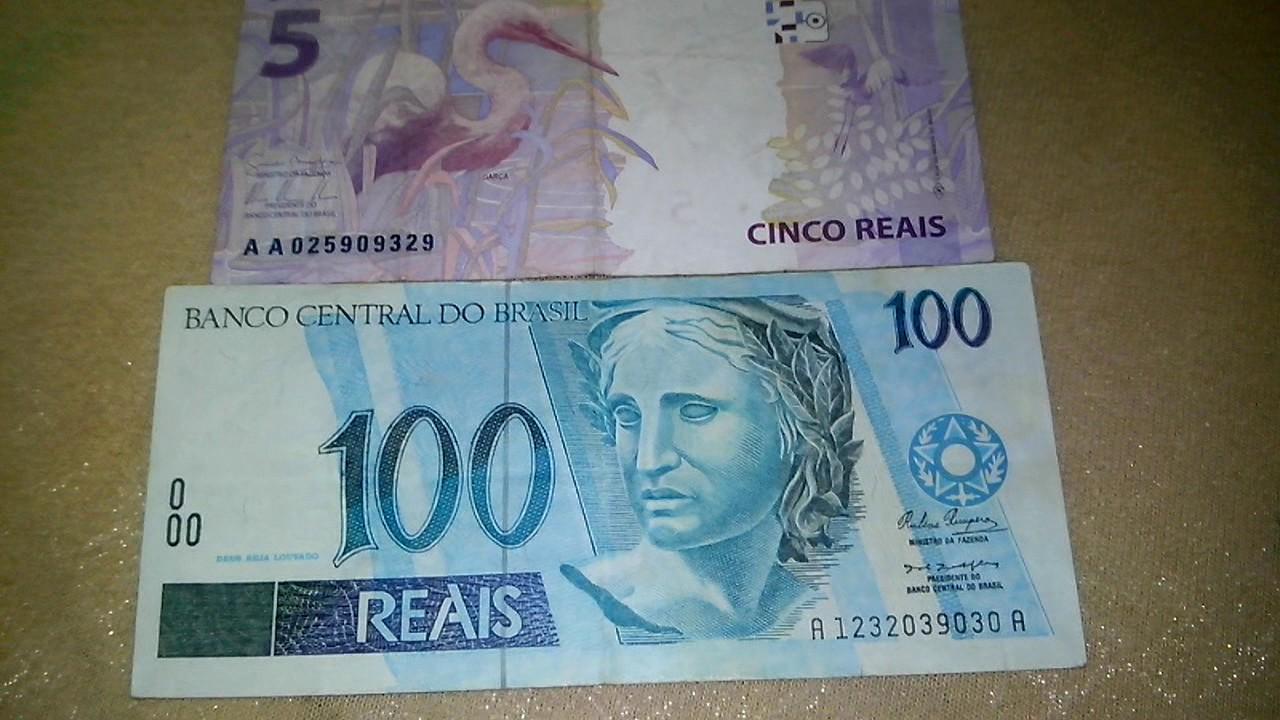 Cedulas com as iniciais AA de 5 reais e 100 reais rara ...