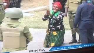 IRINGA: Mwanamke aangua kilio mbele ya Rais Magufuli, JPM atoa maagizo