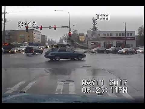 Seattle Police, guy flees cops