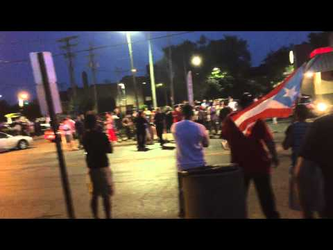 Puerto Ricans ripping the streets in front of the police!!!