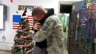 Military Dad surprised daughter at school for Christmas