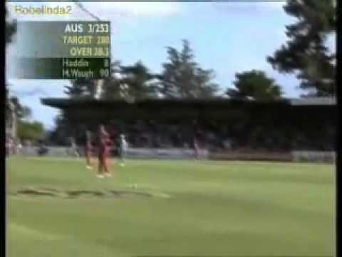 Brad Haddin debut in 2001 for Australia, aged 23