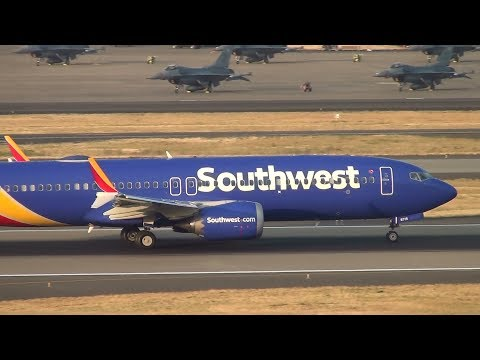 Southwest Airlines 737 MAX 8 [N8715Q] Takeoff Portland Airport (PDX)