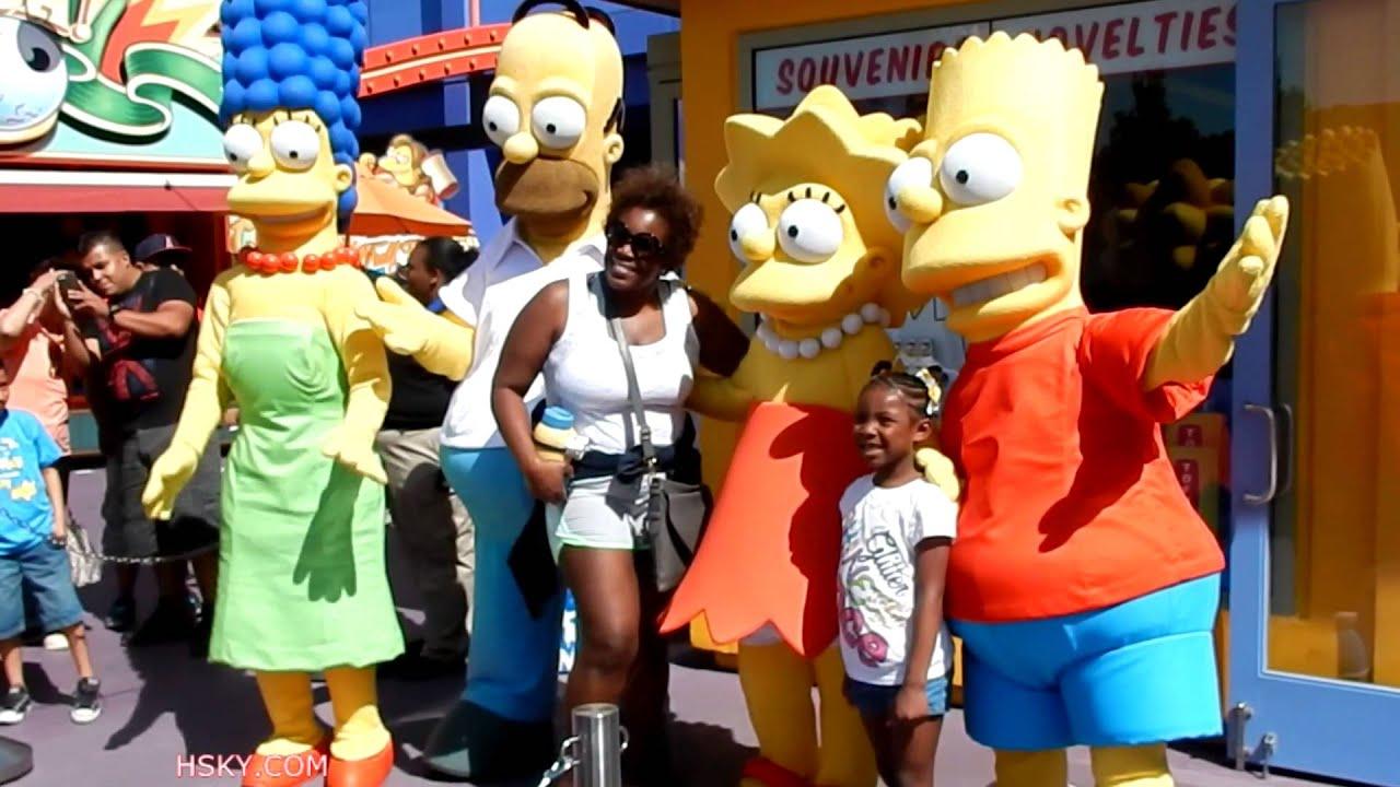 Cartoon Characters Universal Studios : Meet the simpsons family universal studios hollywood