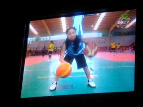 una niña en baloncesto Kabum CORTV