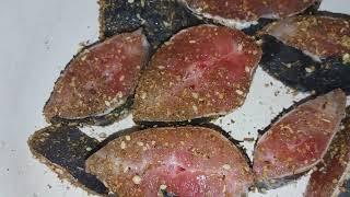 як смачно пожарити рибу -сома. как вкусно пожарить рыбу- сома.