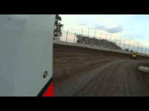 305 Racesaver Sprints heat race at Kennedale Speedway Park 4-28-12