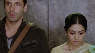 Laurent & Shashi get too close | English Vinglish | Sridevi Best Movie