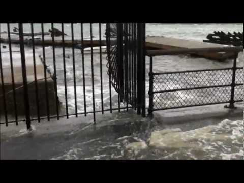 HURRICANE SANDY 2012 IN NEW YORK FILMED AT THE 79TH STREET BOAT BASIN, HUDSON RIVER PART 1.