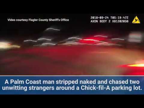 Super Martinez - Hombre Desnudo Persigue a Personas en Parking
