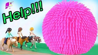 HELP Giant Squish Ball ! Spirit Riding Free Playmobil Horse Play Video Mp3