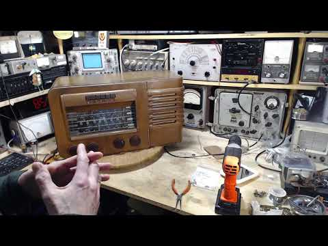 General Electric KL-70 AM/SW Radio Video #37 - Weak 19 Metre Band
