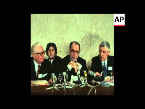 SYND 14-1-73 MITTERAND SPEAKING TO PRESS AFTER SOCIALIST INTERNATIONAL CONFERENCE IN PARIS