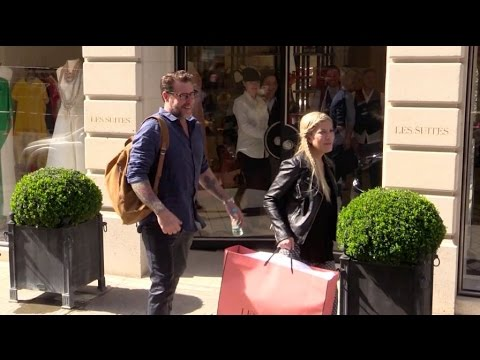 EXCLUSIVE: Tori Spelling and her husband Dean McDermott shopping in Paris