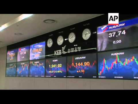 Stocks fluctuate amid Europe fears