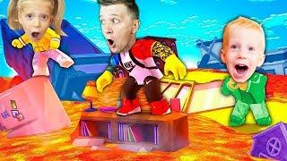 КАК играть в ROBLOX пол это лава дома??? Ходим по БАЗАРУ едим ЯГОДЫ и ПЬЕМ СВЕЖЕВЫЖАТЫЙ СОК!!