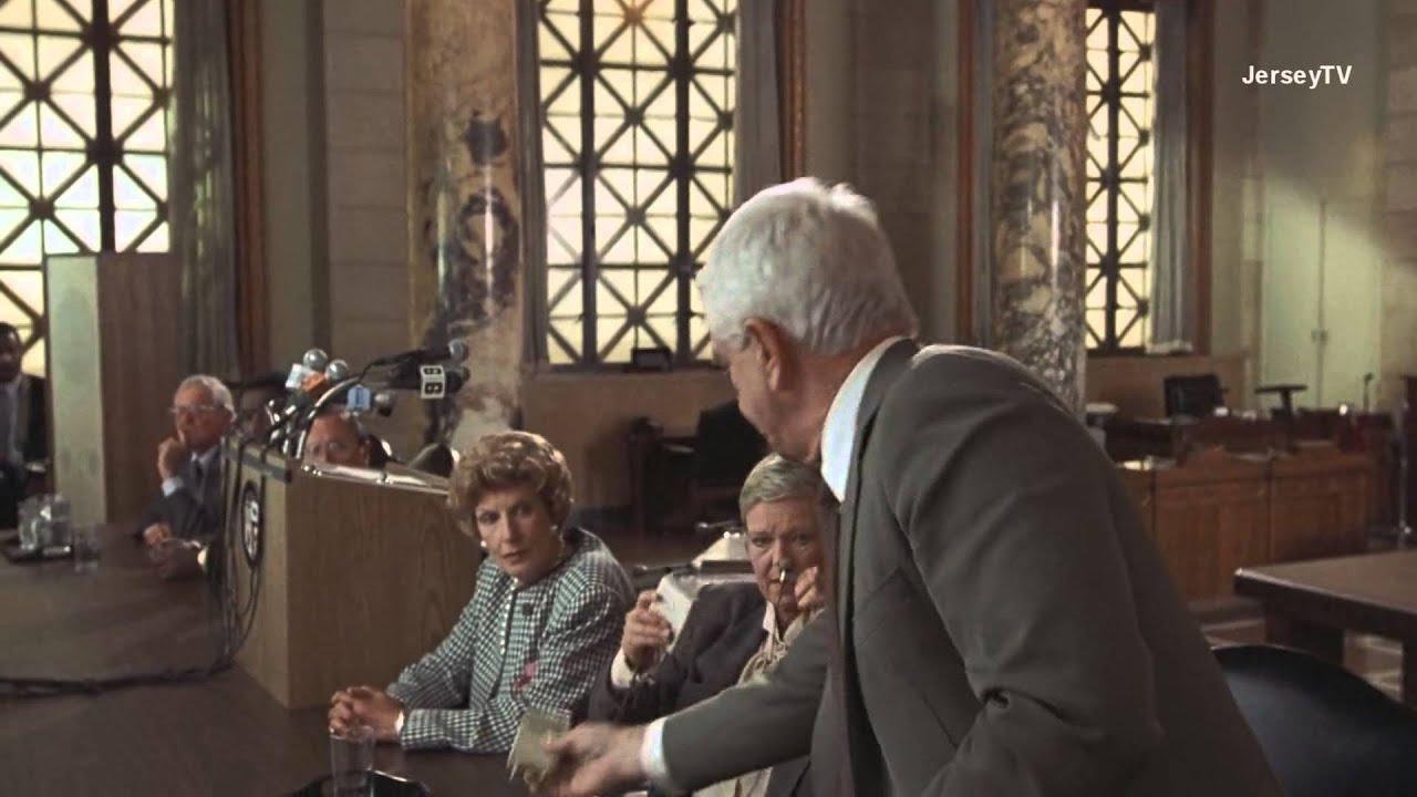 Frank Drebin - The Naked Gun - T-Shirt   TeePublic