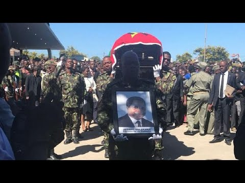 Mozambique president delivers peace tribute at funeral of opposition chief thumbnail