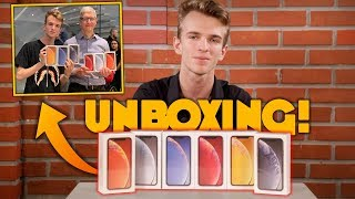 Unboxing iPhone XR [TUTTI I COLORI] - CON TIM COOK