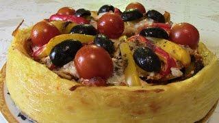 Пикша запеченная с овощами в картофельной тарелке.