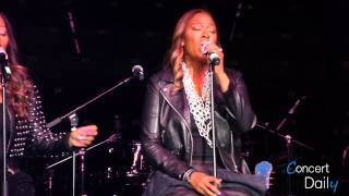 "SWV performing ""Use Your Heart"" Live"