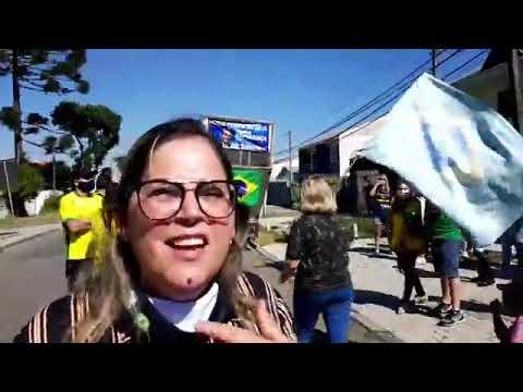 [Vídeo] Manifestantes protestam contra Moro em frente à Polícia Federal, em Curitiba