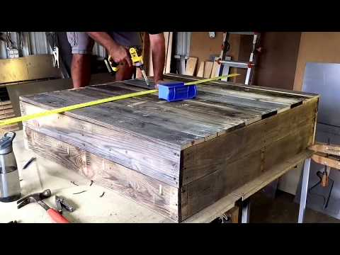 DIY Handmade Shelf Using Wood Pallets