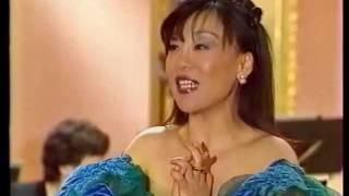 Sumi Jo sings Frühlingsstimmen (J. Strauss) 조수미, 봄의소리왈츠