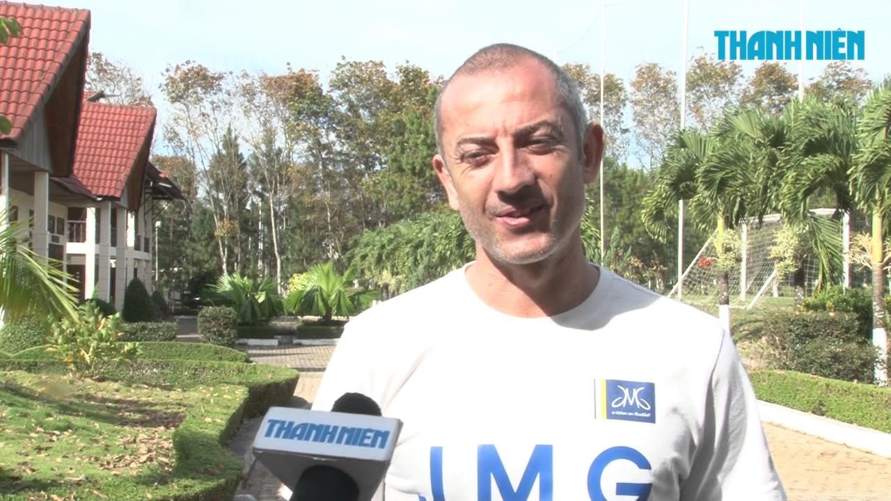 HLV Guillaume Graechen của học viện HAGL Arsenal JMG, 10 năm đón Tết Việt