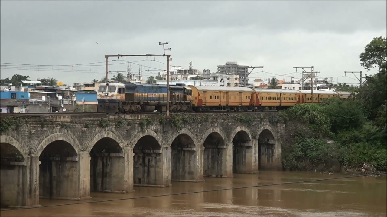 Trains Going Over Exotic Stone Railway Bridge At Khadki In Monsoon - Udyan, Konark, Hyd Express Etc