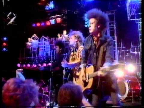 The Alarm  68 Guns Top Of The Pops 1983