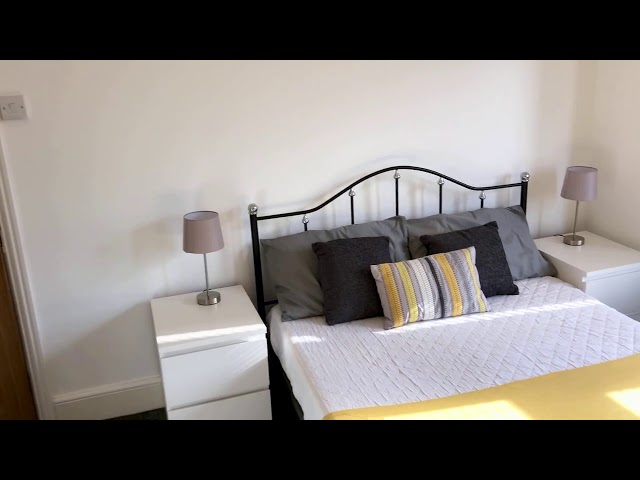 En-Suite | Amazing Refurbished Property  | Lounge Main Photo