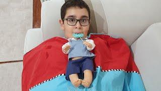 Şeker Yiyemeyince Bebeğe Dönüşen Çocuk. Eğlenceli Çocuk Videosu
