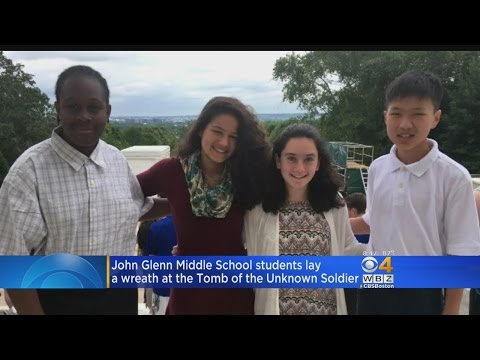 Bedford Middle School Students Lay Wreath At Tomb Of The Unknown Soldier
