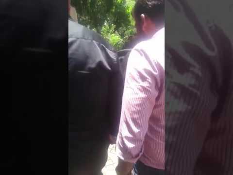 Mahesh Bhatt arrives at Reema Lagoo's Residence | SpotboyE